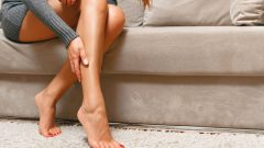 Acne on the leg causes excessive sweating!