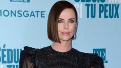 Charlize Theron cut her fans in half with her black hair