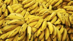 Does the banana peel benefit the skin? How is banana used in skin care?
