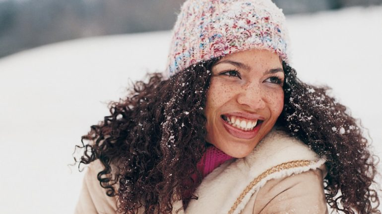 How to care for hair at home in winter? Practical hair care