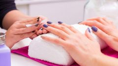 How to remove permanent nail polish is the easiest method!