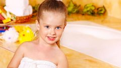 How to take a bath for the older child Do not take off his underwear!