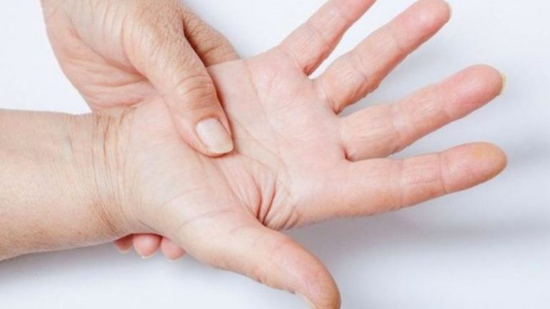 Trigger finger disease symptoms what stiffness occurs. . .