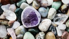 What are natural stones for? Which diseases are natural stones good for?