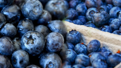 What are the benefits of blueberries to the skin? Skin care masks prepared with blueberries
