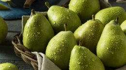 What are the benefits of pear? How many types of pears are there? What is pear good for?
