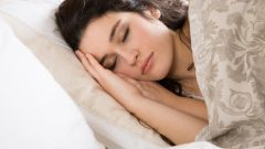 What are the health benefits of regular sleep? What should be done for a healthy sleep?