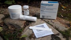 What does Benzamycin Topical Gel acne cream do? How to use benzamycin cream?