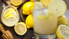 What happens if we regularly drink lemon water? What are the benefits of lemon juice?