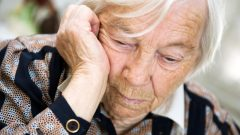 What is Alzheimer's and what are its symptoms? Is there any treatment for Alzheimer's? Good foods. . .
