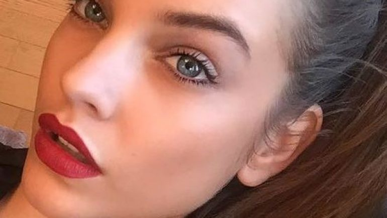 How to get the attractive makeup of Barbara Palvin?