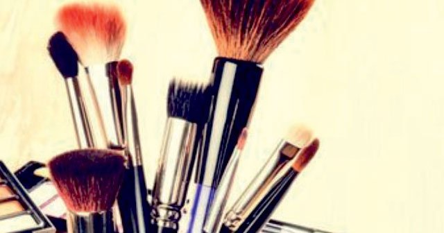 The 5 Most Effective Methods for Cleaning Makeup Brushes